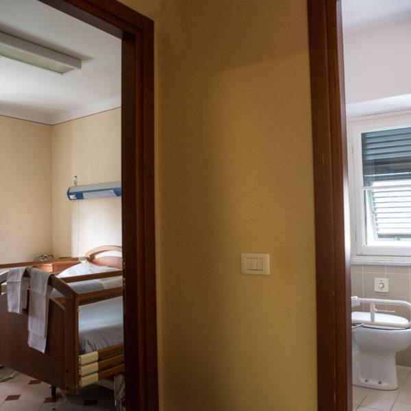 Casa di riposo Torriglia - bagno e stanza